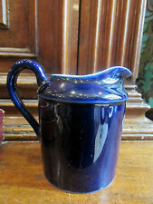 pot a lait ou creme en porcelaine bleue