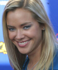 Kristanna Loken UNSIGNED photo - M2981 - American actress and model - NEW IMAGE