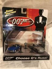 Johnny Lightning James Bond 007: Choose Q's Ruse!