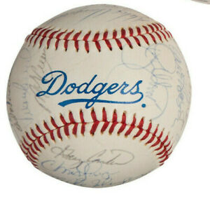1991 LOS ANGELES DODGERS team SIGNED Baseball GARY CARTER OWNED Beckett COA
