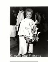 S402 Rue McClanahan Peoples Choice Awards The Golden Girls 1987 candid photo