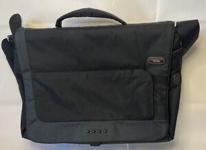 Tumi Tech Black Messenger Bag Nylon Crossbody Laptop Adjustable 511D