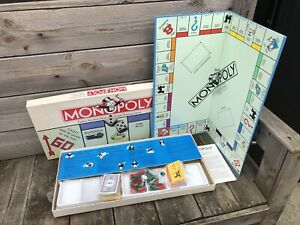 AMERICAN VERSION OF MONOPOLY BY PARKER BROS 1985 VERY GOOD CONDITION