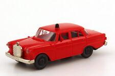 1:87 Mercedes-Benz 190c (W110) Pompier rouge rouge - Brekina 1820