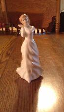 "Royal Doulton Figurine ""Sweet Dreams"" Hn 3394 2992"