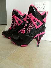 Hi Heel Sports Boots Size 8 (39)