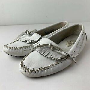 Minnetonka Women 10 White Leather Kiltie Driving Moc Slipper Shoes Ruff 594