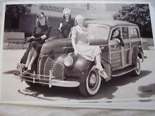 1941 PONTIAC WOODY WAGON & FOLIES BERGERE GIRLS  11 X 17  PHOTO  PICTURE
