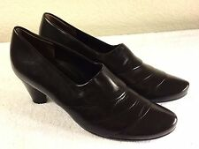 Paul Green Munchen Women's brown leather slip on heels size 6 or US 6.5 Nice!