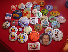 Lot of 34 Collectible Button Pins ! Take a look ! Smurf - Pubs - +++
