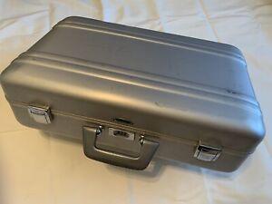 """Vintage Zero Halliburton Aluminum Camera Case 21""""x13""""x6"""""""