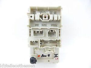 Toyota RAV4 II 2.0L Diesel Sicherungskasten Relaiskasten Relais 82733-42080