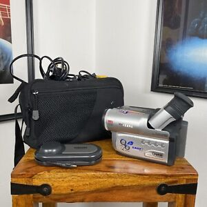 SAMSUNG VP-W80U Camera Video Camcorder 8mm Analogue - Charger & Battery *WORKING