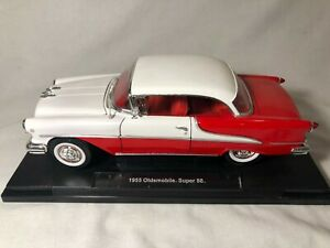 Welly 1955 Oldsmobile Super 88 Red / White 1:18 Diecast