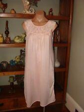 """Ladies/Women's Vintage Bernstein Short Nylon Nightgown - Bust to 38"""" - Lt. Pink"""
