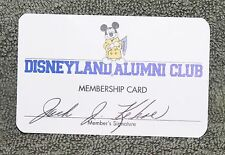 NICE DISNEYLAND ALUMNI CLUB MEMBERSHIP CARD CARD