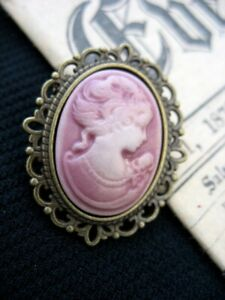 Antique Bronze Gothic Steampunk Victorian Lady Dusky Pink Cameo BROOCH Pin UK