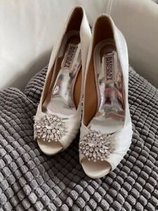 Badgley Mischka white shoes