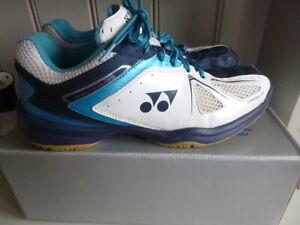 Mens Yonex Badminton Trainers UK 9.5