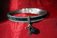 fantaisie bracelet/armband poils noirs et chaine breloque clé et shamballa noire