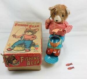 VINTAGE 1948 JAPANESE ALPS WIND-UP TIN PLATE TOY FISHING BEAR BOXED WORKING