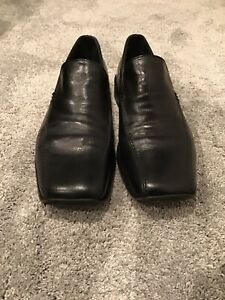 RUSSELL & BROMLEY BLACK LEATHER SLIP ON SHOES/SIZE  EU44 (UK 9.5-10)