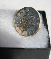 THREE PENCE TIE PIN/ BROOCH / BADGE BIRTHDAY COIN CHOICE OF DATE 1937-1967 BOXED