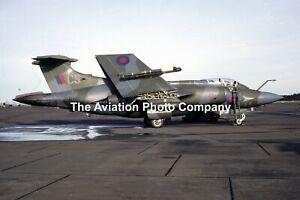 RAF 208 Squadron Blackburn Buccaneer S.2 XV863/CS (1986) Photograph