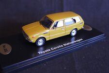 QSP Model Collection Toyota Corolla E36 Stationwagon 1:43 Mustart Yellow
