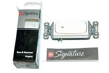 Pass & Seymour  Signature Single Pole Illuminated Switch 15A-STM870LASLCC10