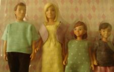 LUNDBY DOLLHOUSE FAMILY DAD, MUM,SON & DAUGHTER. NEW, UNOPENED MPN 60-80-70-00