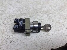 Telemecanique ZB2-BE101 ZB2BE101 2 Position Maintained Key Selector Switch (TB)
