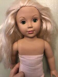 Alexander Doll Company 2009 blonde hair blue eyes