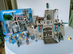 Playmobil 4866  Falcon knights castle with loads of extras