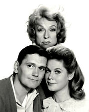 """""""BEWITCHED"""" CAST FROM THE PREMIER EPISODE IN 1964  8X10 PUBLICITY PHOTO (ZZ-486)"""