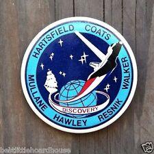2 Vintage Original NASA SPACE SHUTTLE Discovery Pinback Souvenir Pin 1984 NOS