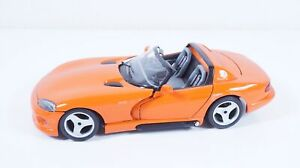 1:18--BBURAGO--Dodge Viper RT/10  / 42 B 673