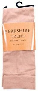 Berkshire Trend Womens Opaque Knee High Trouser Socks Style 6423 Size 9-11 - NWT