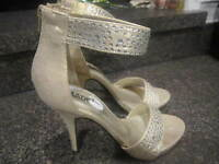 MADELINE GIRL WOMEN'S GOLD &  RHINESTONES ANKLE STRAP SHOES / HEELS  SIZE 7 MED.