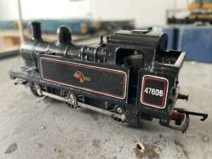 Tri-ang R52 Jinty Class Locomotive BR 47606    OO Gauge