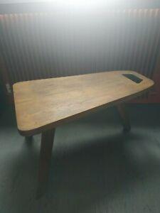 Table basse moderniste années 50 en bois forme libre