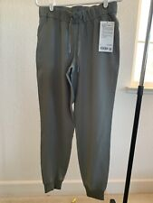 """NWT Lululemon On the Fly Jogger 28"""" Woven Grey Sage Size: 6 & 8"""