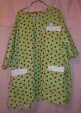 Bright Green Leaves with Ladybugs Scrubs Top with 3 Pockets for Size 3X  FSMTP42