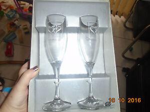 NIB Hortense B Hewitt Wedding Bride Groom Linked Hearts Silver Glasses Flutes