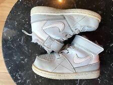 lowest price 9edab aecc2 Chaussures gris Nike pour bébé | Achetez sur eBay