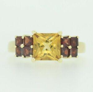 9ct Gold Ring - 9ct Yellow Gold Citrine & Garnet Ring Size O