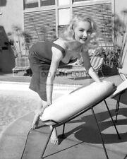 JOI LANSING ACTRESS AND MODEL PIN UP - 8X10 PUBLICITY PHOTO (SP232)
