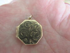 Traditional 9 ct Gold Hexagonal Locket in VGC