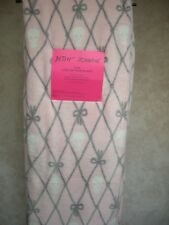 """Betsey Johnson """"Twin"""" Ultra Soft Throw Blanket Gray/White/Pink 90"""" X 60"""""""