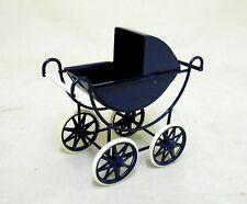 Maison de poupées miniature échelle 1:12 nursery mobilier bleu marine et crème de bébé landau